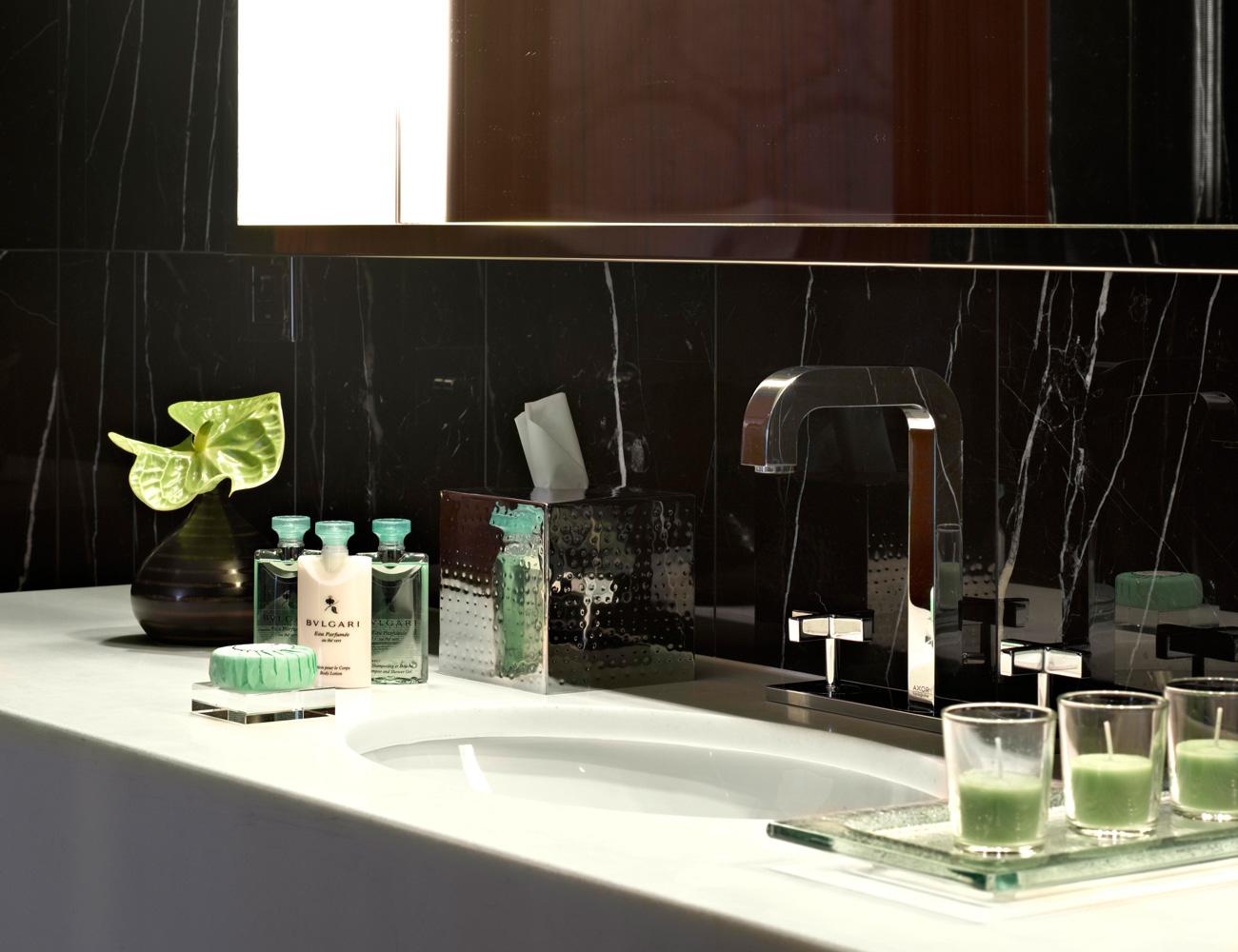 Luxury italian design the bulgari hotel in milan for Design hotel milan
