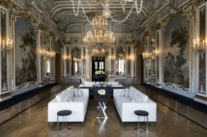 Aman-Canal-Grande-Venice-Piano-Nobile-Lounge-1352x900